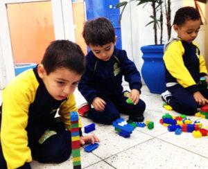 Brinquedo de construção, não é apenas diversão!